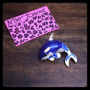 NWOT Whale Pendant & Pin  🐳
